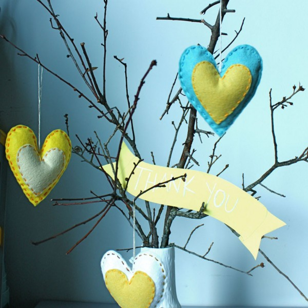 DIY-Heart-Sachet-Favors-8-600x600