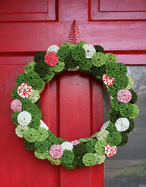 Guirlandas de natal 15 ideias para voc copiar - Corone natalizie da appendere alla porta ...