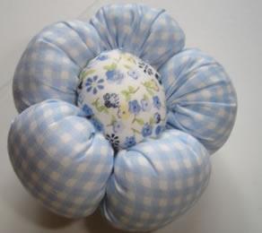 flor de fuxico com enchimento