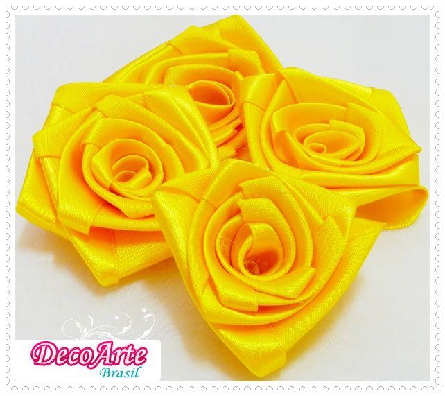 rosas amarelas em cetim