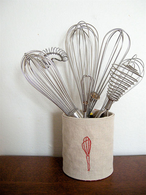 utensil-holder-diy-recycled-tin