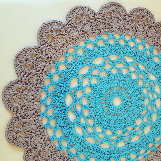 tapate-de-croche-mandala-azul