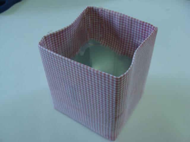 encape-a-caixa-de-leite-com-o-tecido