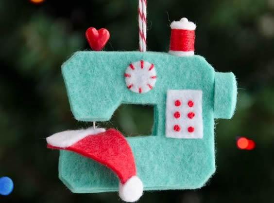 maquina-de-costura-em-feltro-enfeite-natalino