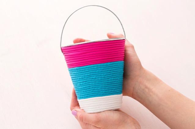 baldinho-decorado-com-fios-coloridos