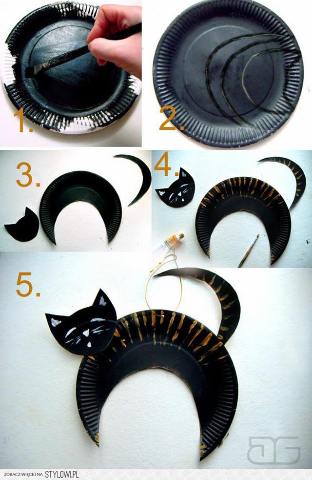 gato-preto-com-pratinho-descartavel