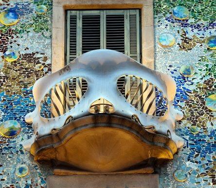 Uma das sacadas na Casa Batlló, localizada em Barcelona
