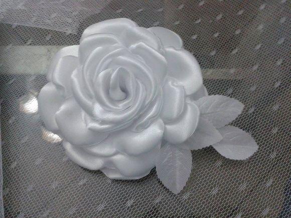 rosa de cetim