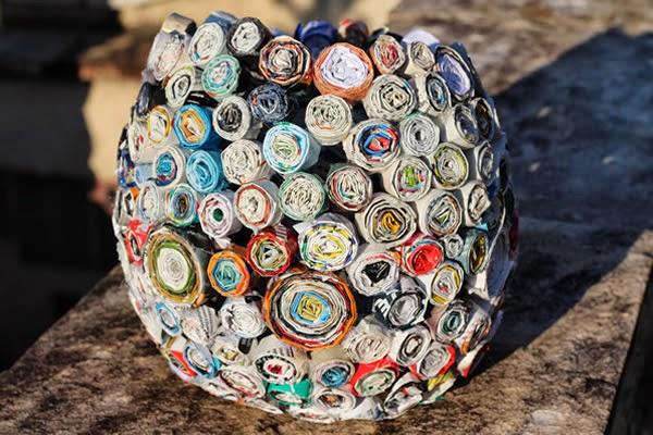 cesto-com-revistas-decoracao-com-reciclagem