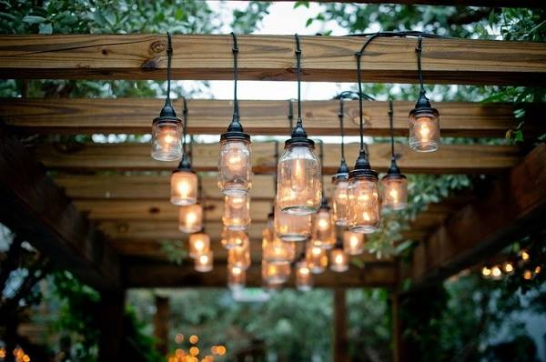 luminária-com-potes-de-vidro