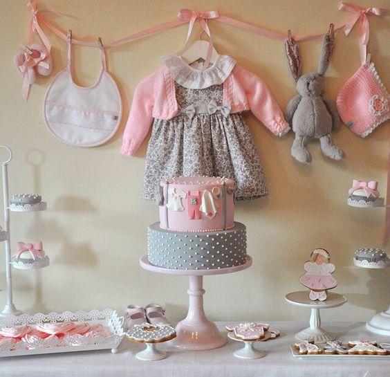 decoracao-cha-de-bebe-menina-roupinhas