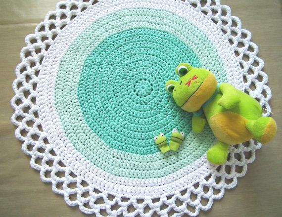 tapete-redondo-verde-e-branco