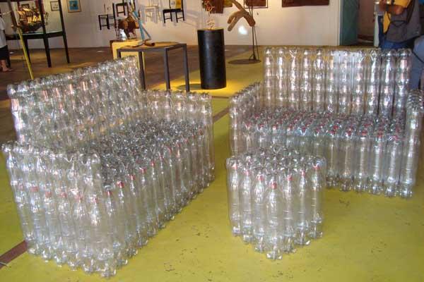 sofa-de-garrafa-pet