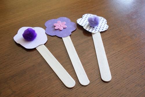 flores-de-papel-e-palito-de-picole