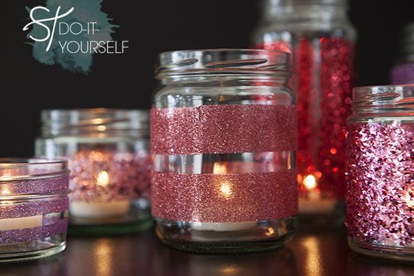 potes-de-vidro-decorados-com-glitter-passo-a-passo