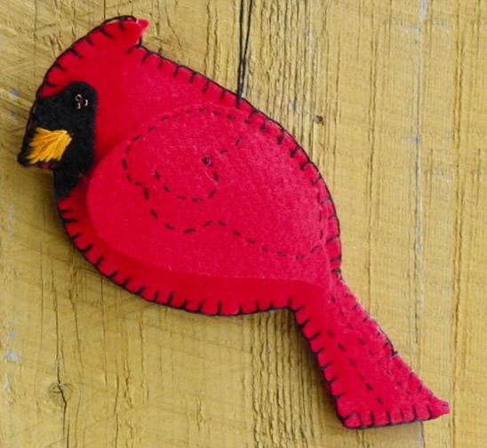 passaro-vermelho-feltro