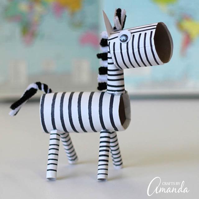 zebra-de-rolo-de-papel-higienico-reciclado